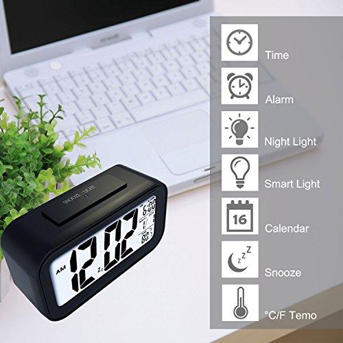 E2Buy Digitale LCD Wecker, automatische Nacht Glow Smart Licht aktivierter Sensor Nacht Digitaler Schlummer Wecker mit extra großer Anzeige, Datum und Temperatur Display (Schwarz) - 2