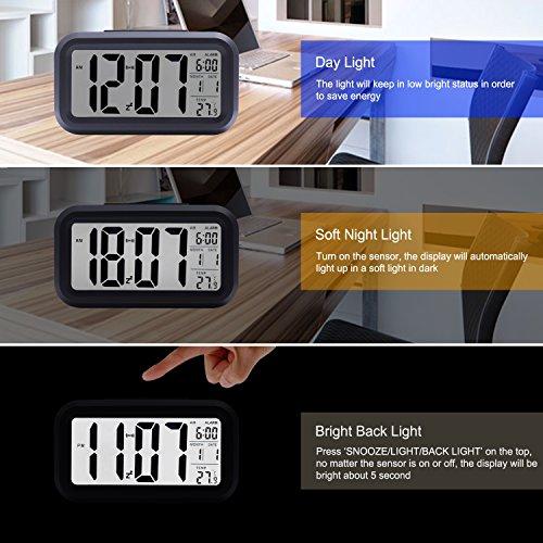 E2Buy Digitale LCD Wecker, automatische Nacht Glow Smart Licht aktivierter Sensor Nacht Digitaler Schlummer Wecker mit extra großer Anzeige, Datum und Temperatur Display (Schwarz) - 3